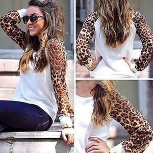 Tops - 💖Sheer Leopard Print Sleeves Raglan Top